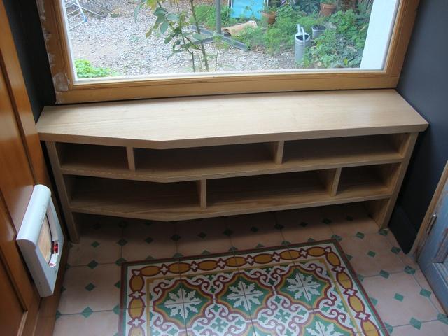 banc d entr e ran seri. Black Bedroom Furniture Sets. Home Design Ideas